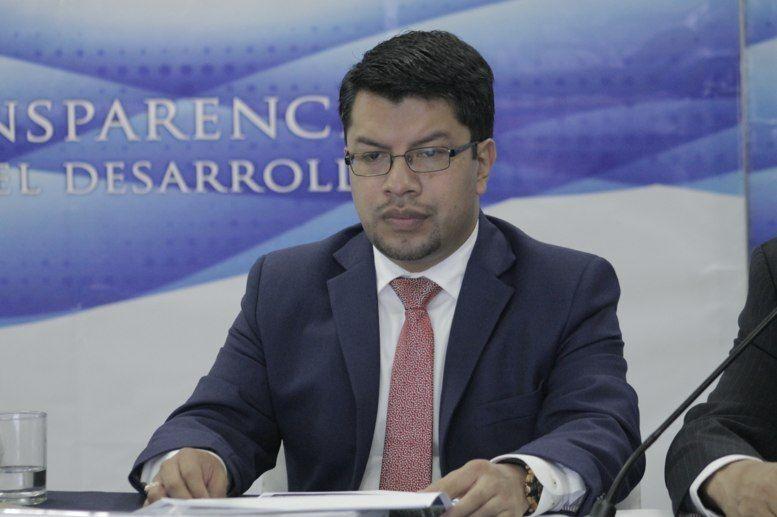 SubContralor, César Elías, es destituido. Recomendó no comprar aviones Pampa III