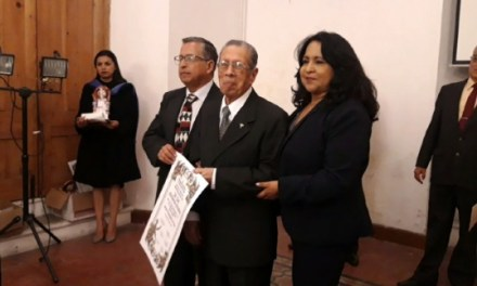 Reconocen trayectoria de tres médicos quetzaltecos