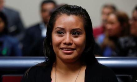 El Salvador: Juez absuelve a joven acusada de aborto tras violación