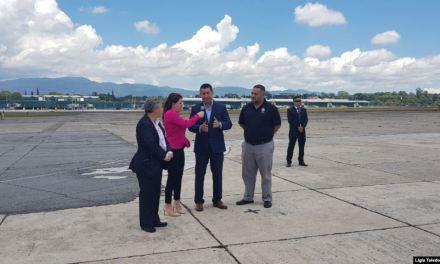 Autoridades migratorias de EE.UU. llegan a Guatemala junto a deportados