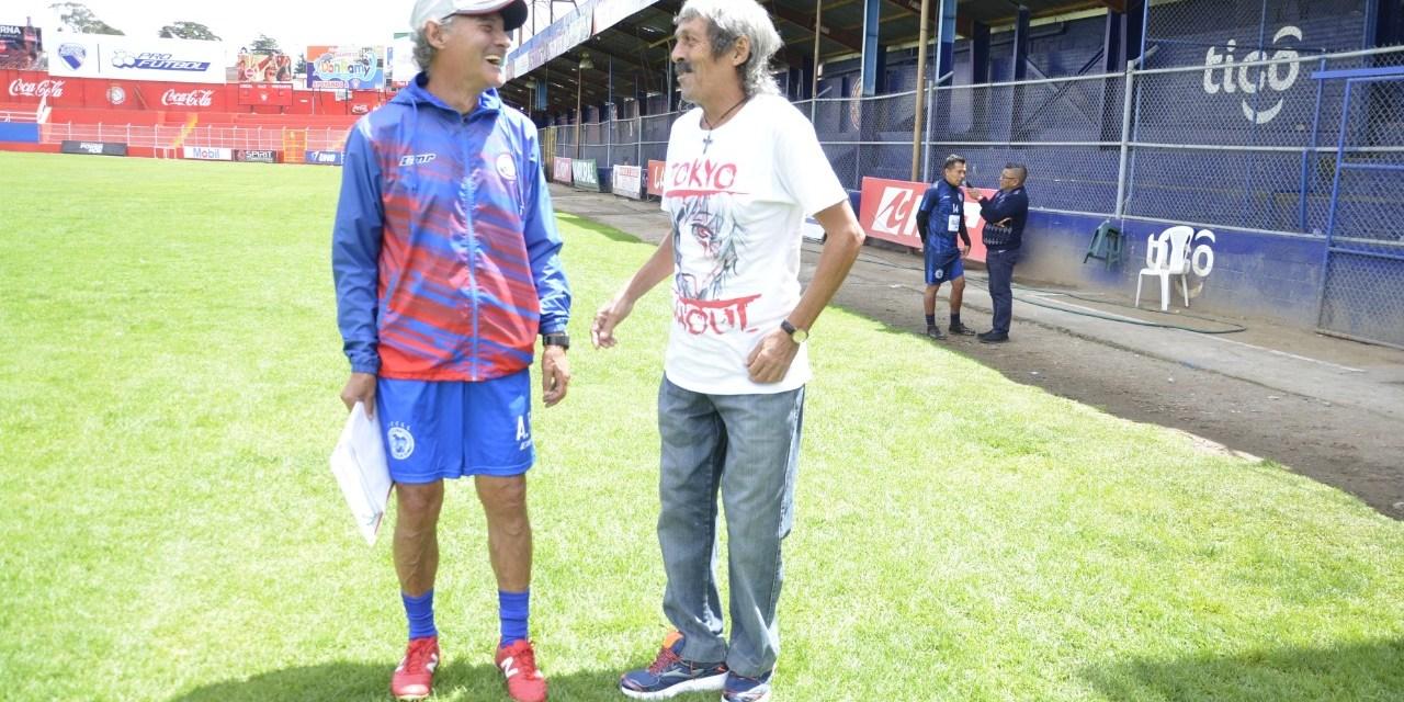 Campeón con Xelajú en 1980, regresa a Quetzaltenango para pedir ayuda