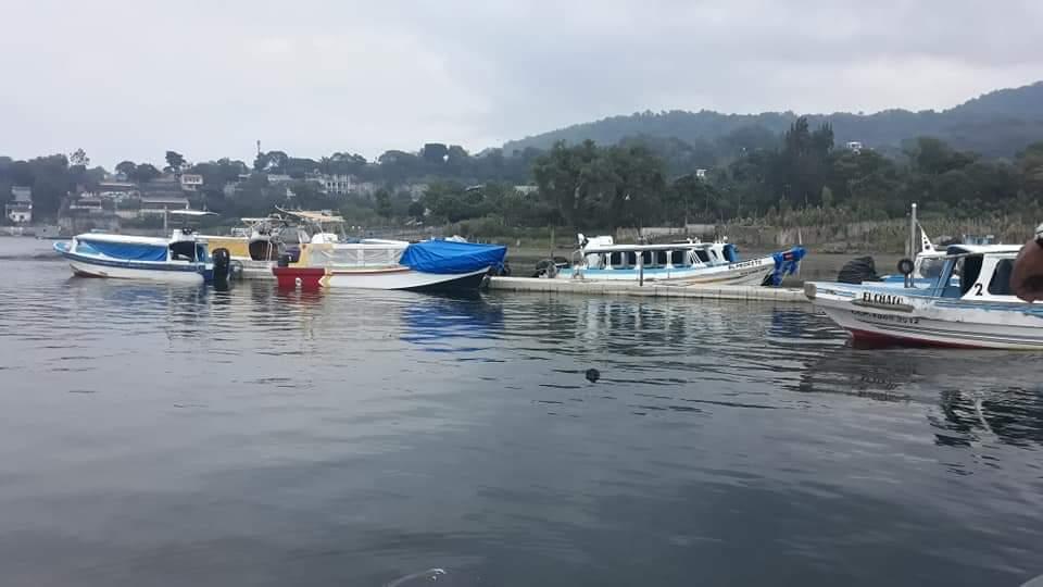 Rescatan cadáver del lago de Atitlán