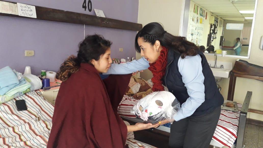 FundaCien solicita donación de frazadas