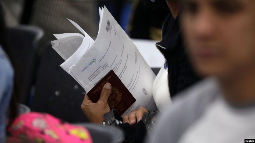 Panamá acepta pasaportes venezolanos vencidos