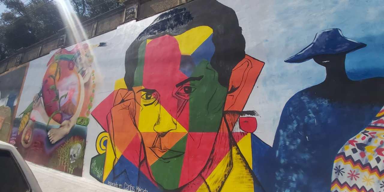 Elaboran murales en Xela