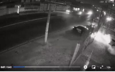 (((Vídeo))) Accidente en cercanías de la Cuesta Blanca, taxista se da a la fuga. Informaron testigos