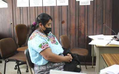 Mujer acude a primera declaración por siembra y cultivo de marihuana