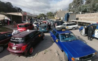 Transportistas bloquean varios puntos en el país en rechazo al decreto 17-2020