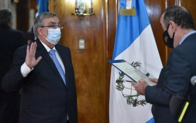 Francisco Coma, asume como ministro de Salud, es el tercero en lo que va del gobierno de Giammattei