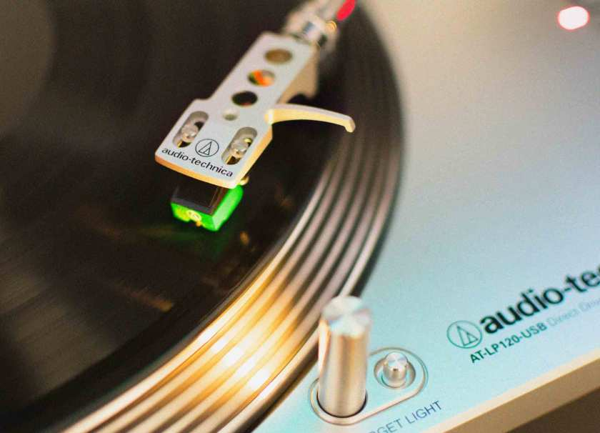 Choosing-the-Best-Record-Player