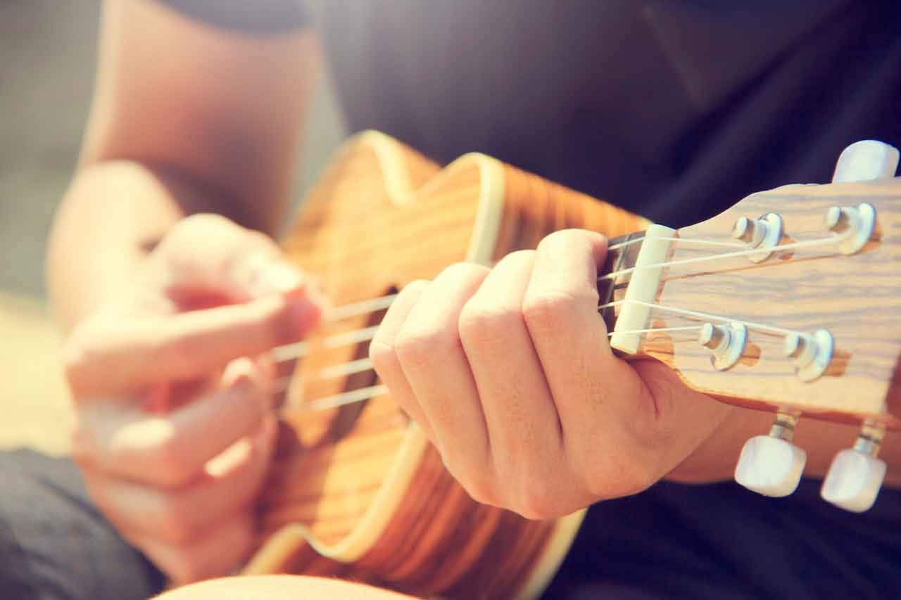 5 Ways To Eliminate String Buzzing While Playing Guitar