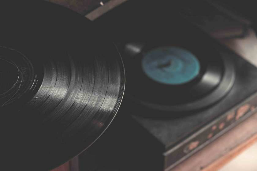 Tips-For-Buying-A-Vinyl-Record