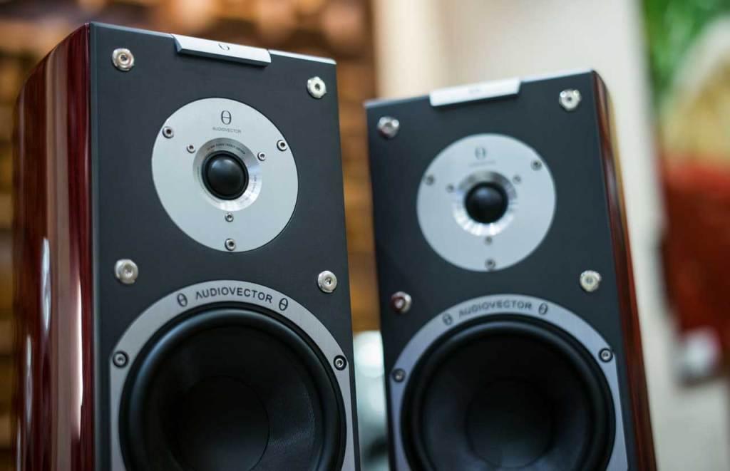 Best Powered Speakers For DJ – Buyer's Reviews