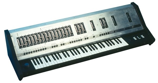 UB-1-Synthesizer_web
