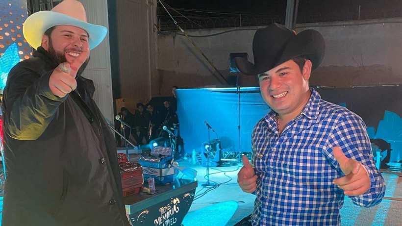 Tras su colaboración, El Fantasma y Alfredo Olivas se van a 'guardar' a su casa