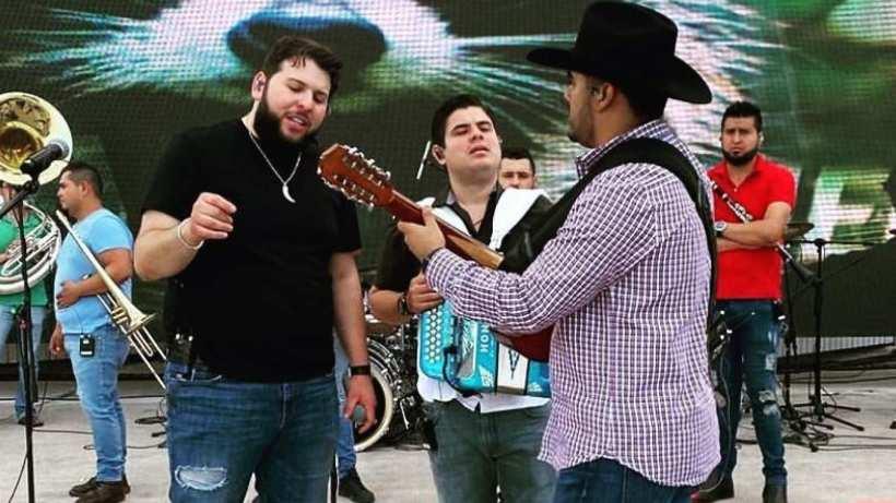 Así se escucha 'El Zoológico' a dueto con El Fantasma y Alfredo Olivas
