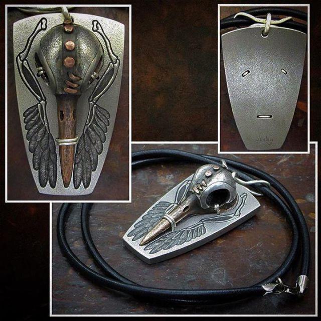 Silver_Helmet_Hummingbird_Skull_8