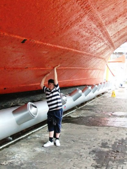 Holding up the SS Great Britain