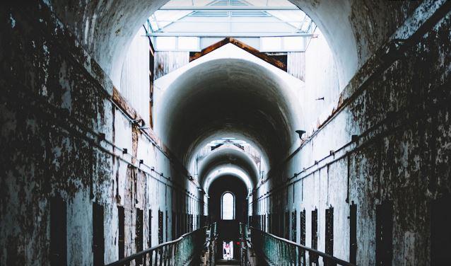 Economics 101: Prisoners' Dilemma