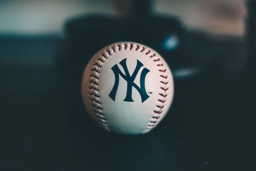 Who Played First Base For The Yankees Before Lou Gehrig?