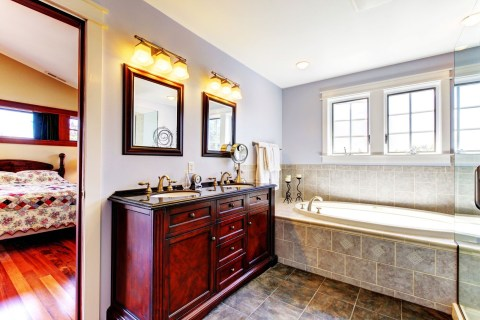 Create a Statement Piece When Pursuing a Bathroom Remodeling Project
