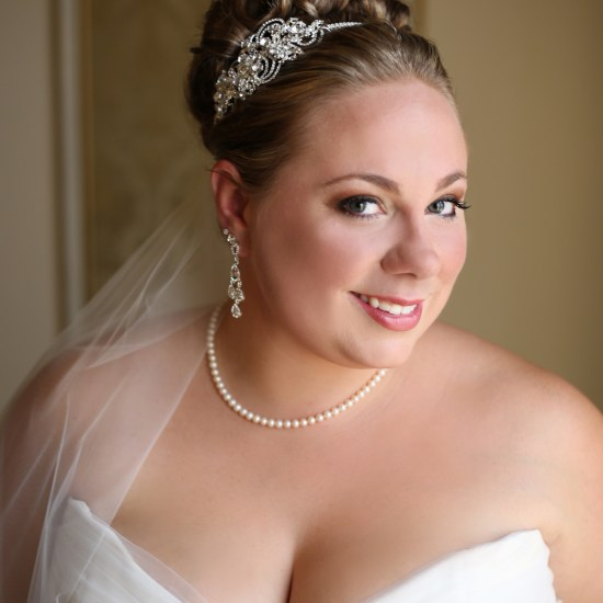 beautiful plus size bride, gorgeous bridal skin, great updo, wedding up do, wedding updo, pearls, greysolon ballroom