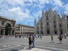 Milan: The Duomo & the Galleria Emanuele Vittorio II in Piazza del Duomo.