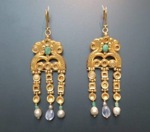 London: British Museum, Byzantine gold necklace and earrings, AD 600.