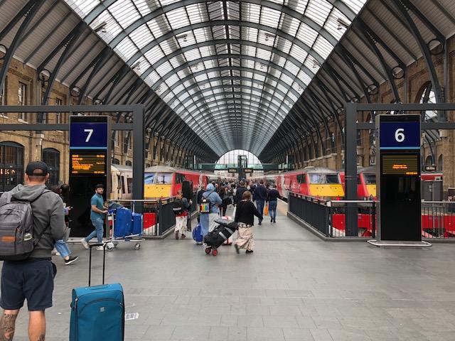 I do love train stations
