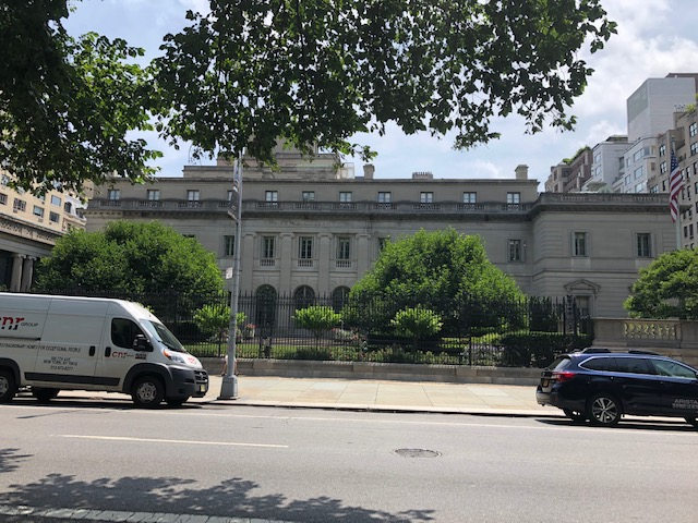 The Frick Collection from across 5th Ave