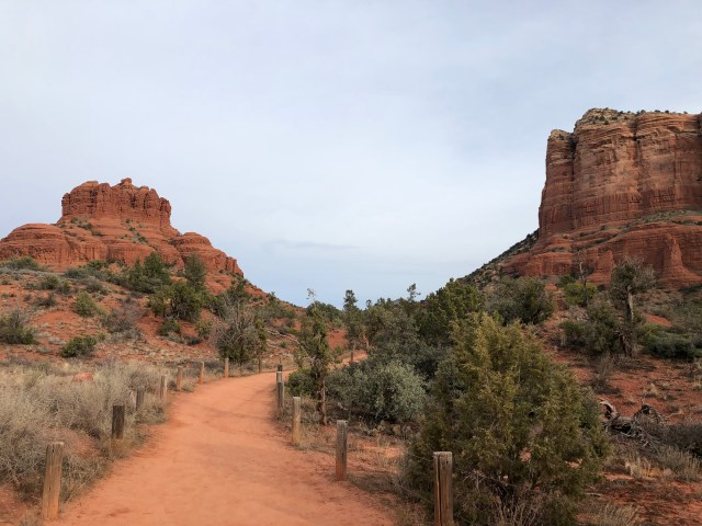 Bell Rock on the left, Courthouse Butte on the right, hiking trail up the middle
