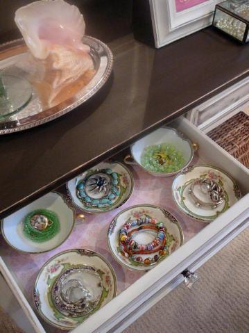 original_lynda-quintero-davids-teacup-drawer-jewelry-organizer_s3x4-jpg-rend-hgtvcom-616-822