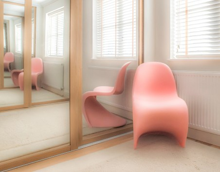 3_The_Pink_Chair