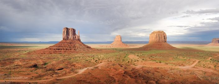 Monument Valley Around Arizona & Utah