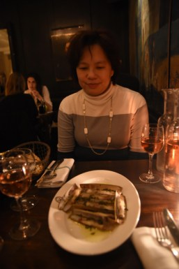 We decided to splurge for dinner at Le Hibou brasserie (again near my apartment). We started off with Razor Clams which was to die for. Just thinking of this dish makes me drool.