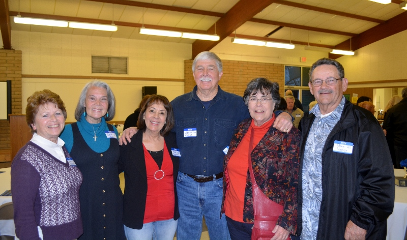 Author Steven T. Callan visits with June Nelson, the O'Neill sisters, Joanne Ellis, and Mike Nelson at the Orland Alumni Association Awards Dinner.