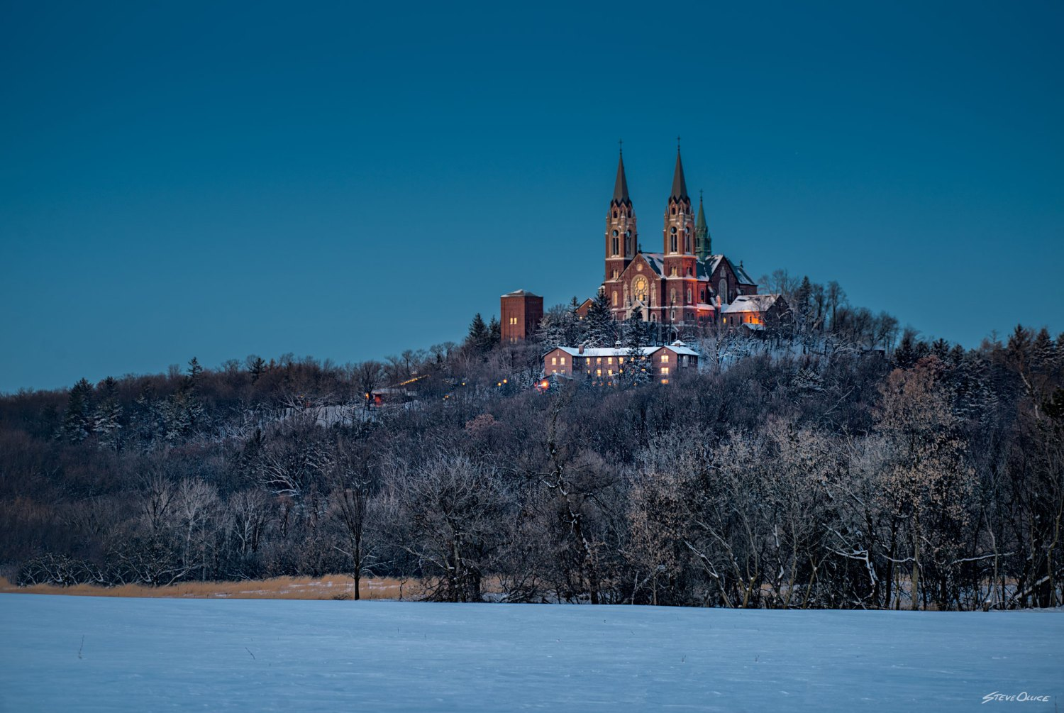 Holy Hill evening snow