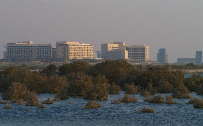 Abu Dhabi 885