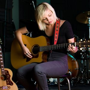 Guitar lessons- learn to play guitar Nerang