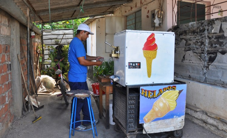 photo of a local ice cream street vendor in nueva gerona, cuba by stevie vagabond