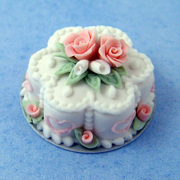 Pink Amp White Flower Cake Stewart Dollhouse Creations