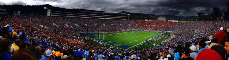 UCLA Bruins football fans at Rose Bowl