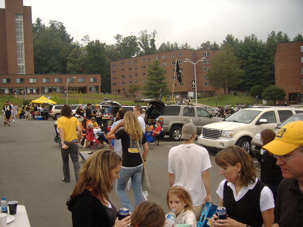 App State Mountaineers fans tailgating at parking lot