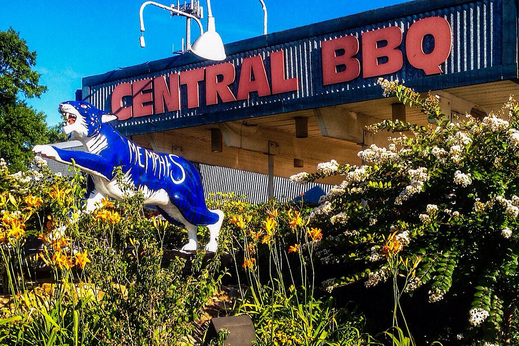 Central BBQ for Memphis Tigers fans