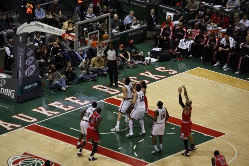 Milwaukee Bucks vs Chicago Bulls game