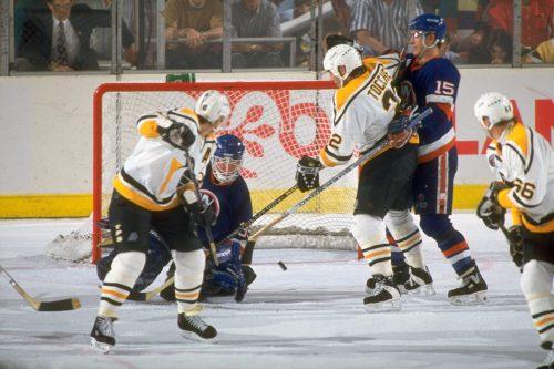 New York Islanders vs Pittsburgh Penguins hockey game