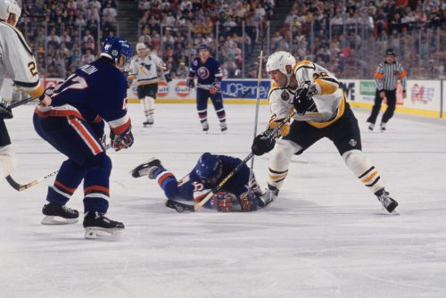 Pittsburgh Penguins Rick Tocchet vs New York Islanders Brad Dalgarno