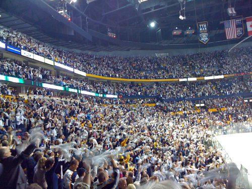 Standing O fans Nashville Predators