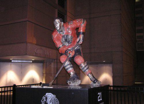Chicago Bulls Stan Mikita Statue