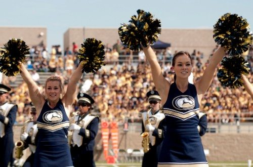 UC Davis Cheerleaders